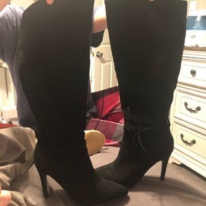 Show dazzle knee high black suede boots